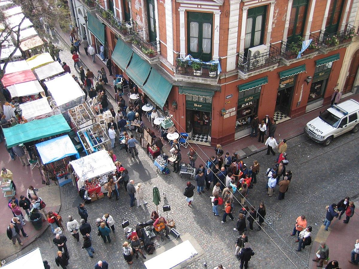 Chỉ họp vào Chủ nhật, phiên chợ chuyên bán đồ cổ và thủ công mỹ nghệ đậm chất Argentina khiến nhiều người không thể bỏ lỡ - Ảnh 2.