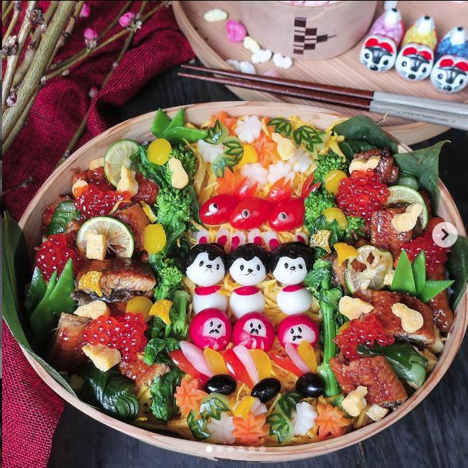 Hot mom 3 con Nhật Bản được các bà mẹ khắp thế giới ngưỡng mộ vì tài biến hóa đồ ăn từ trứng, làm bento hấp dẫn đến mức lên cả trang bìa Vogue - Ảnh 9.