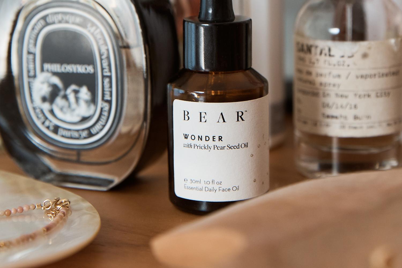 Thêm loại dầu này vào chu trình skincare, bạn sẽ thấy da ẩm và căng hơn vì lượng collagen được sản xuất rất nhiều - Ảnh 4.