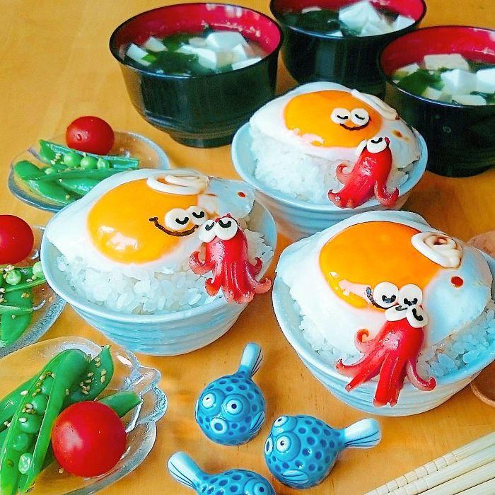 Hot mom 3 con Nhật Bản được các bà mẹ khắp thế giới ngưỡng mộ vì tài biến hóa đồ ăn từ trứng, làm bento hấp dẫn đến mức lên cả trang bìa Vogue - Ảnh 3.