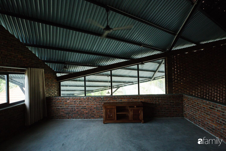 Độc lạ với ngôi nhà hình cánh diều của con cái chung tay góp 350 triệu đồng xây tặng bố mẹ ở ngoại ô TP Đà Nẵng - Ảnh 12.