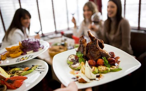 Không lo tiếp xúc với vi khuẩn gây bệnh khi đi ăn nhà hàng với 4 bước này