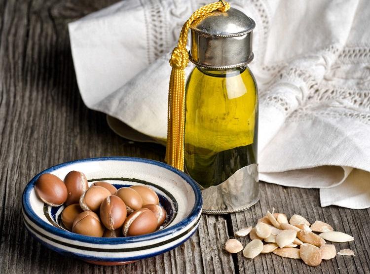 Da lão hóa đầy nếp nhăn và thâm nám, thật sự sai lầm nếu các nàng 30+ không có 5 loại oil này trong liệu trình skin care mỗi ngày - Ảnh 1.
