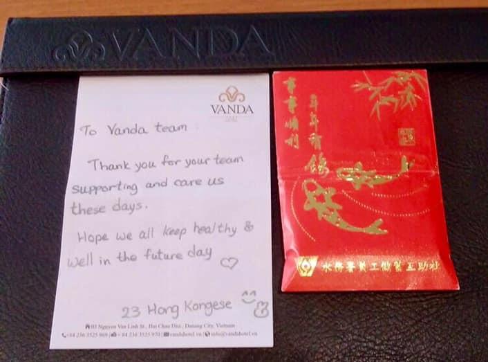 Du khách nước ngoài vui mừng rời khu cách ly ở Đà Nẵng: Cảm ơn các bạn và chúng tôi sẽ quay lại vào một ngày thuận lợi hơn - Ảnh 12.