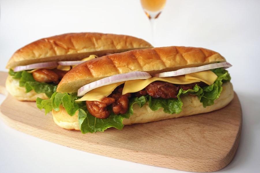 Bữa trưa văn phòng với bánh mì kẹp gà chuẩn ngon - Ảnh 5.