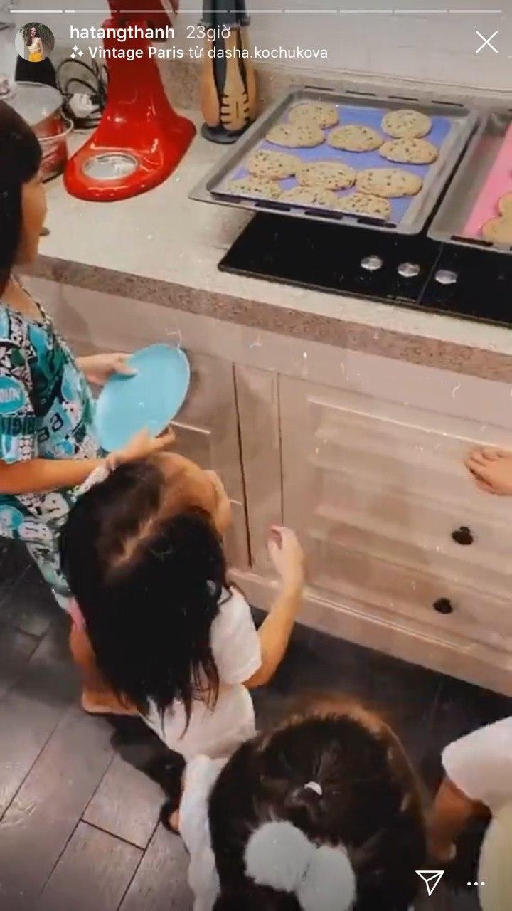"""Con gái Tăng Thanh Hà mới 2 tuổi 10 tháng nhưng đã làm một hành động khiến mẹ """"phát khóc"""" - Ảnh 6."""