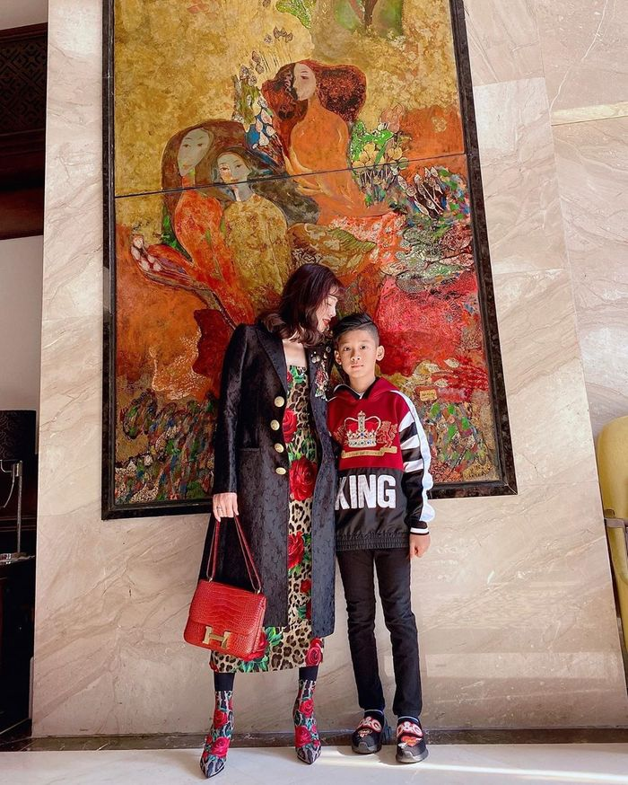Con trai Lệ Quyên: Học trường quốc tế với chi phí gây choáng váng, mới 9 tuổi đã sở hữu ngoại hình khiến giới showbiz náo loạn - Ảnh 1.