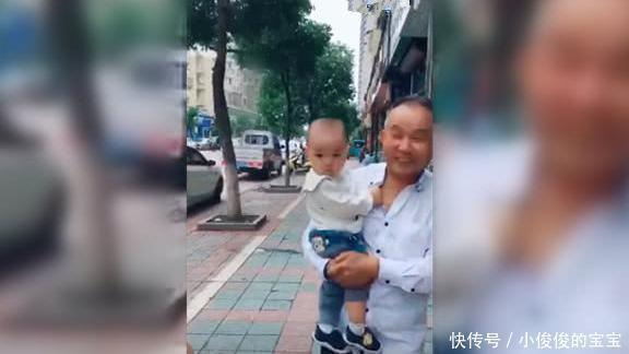 """Mẹ gửi con cho ông bà ngoại để cai sữa, sau 1 tuần gặp lại, thái độ """"tuyệt tình"""" của con trai khiến trái tim cô """"vỡ nát"""" - Ảnh 1."""