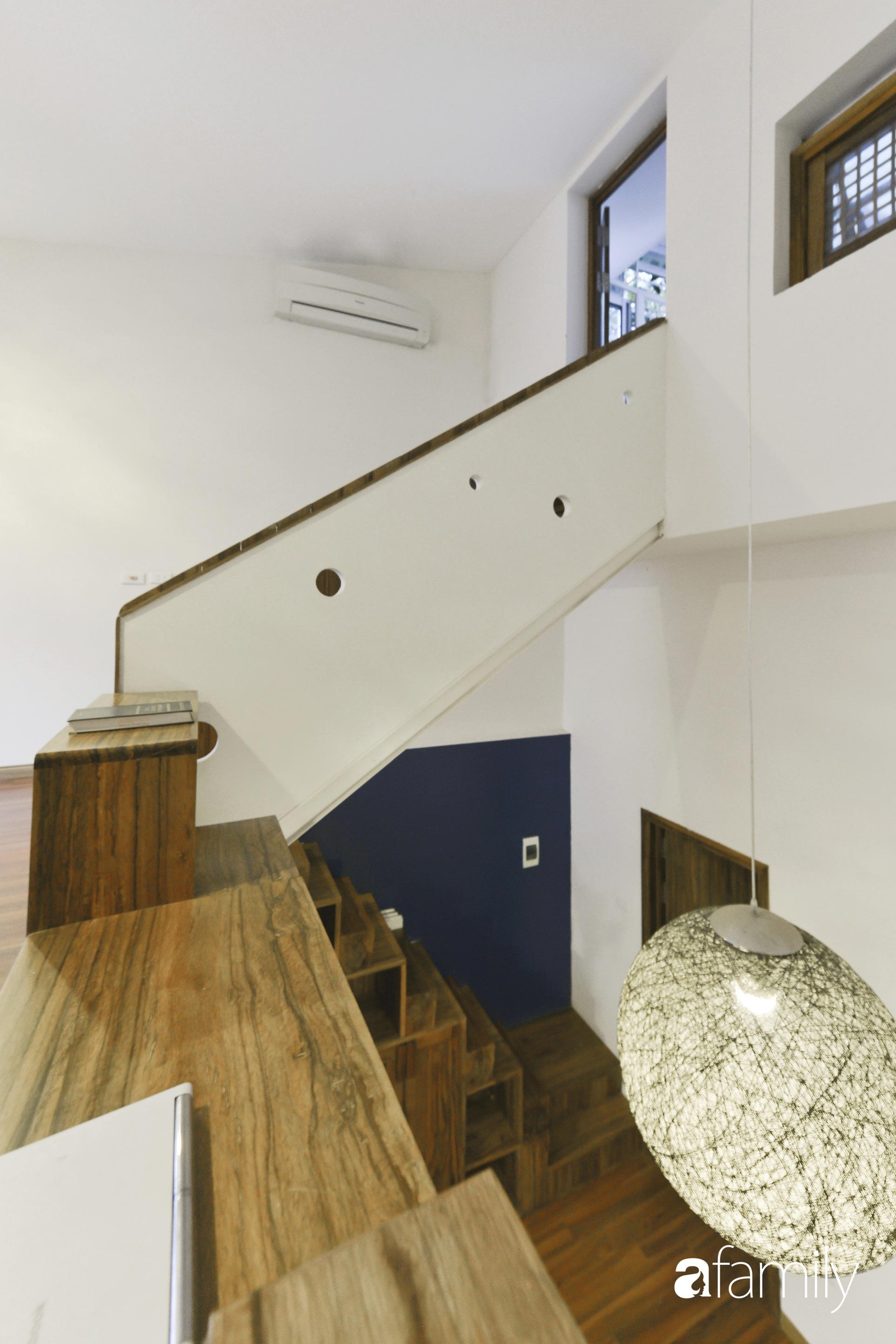 Vẻ đẹp của gỗ kết hợp nội thất đơn giản trong ngôi nhà 45,6m² ở ngõ nhỏ Hà Nội sau khi cải tạo - Ảnh 7.