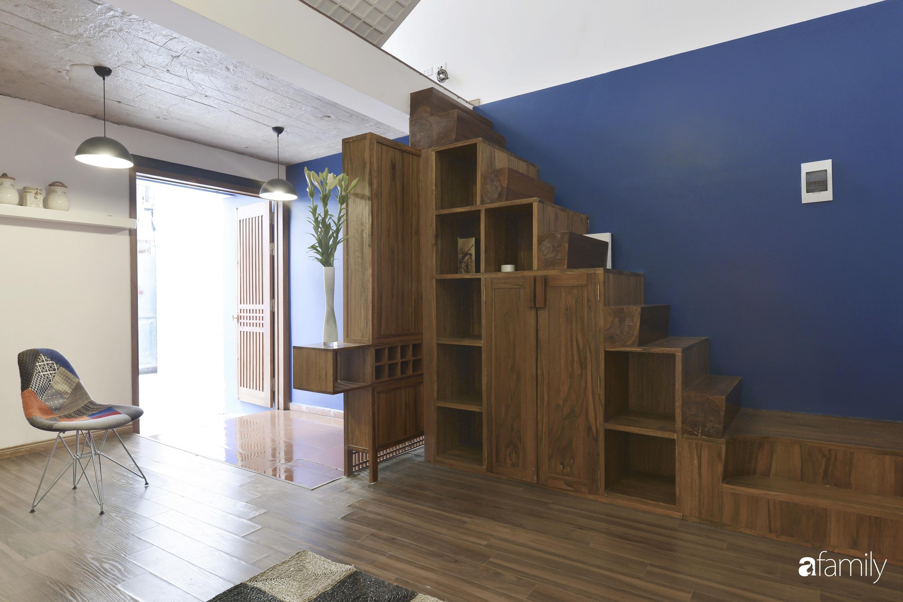 Vẻ đẹp của gỗ kết hợp nội thất đơn giản trong ngôi nhà 45,6m² ở ngõ nhỏ Hà Nội sau khi cải tạo - Ảnh 5.