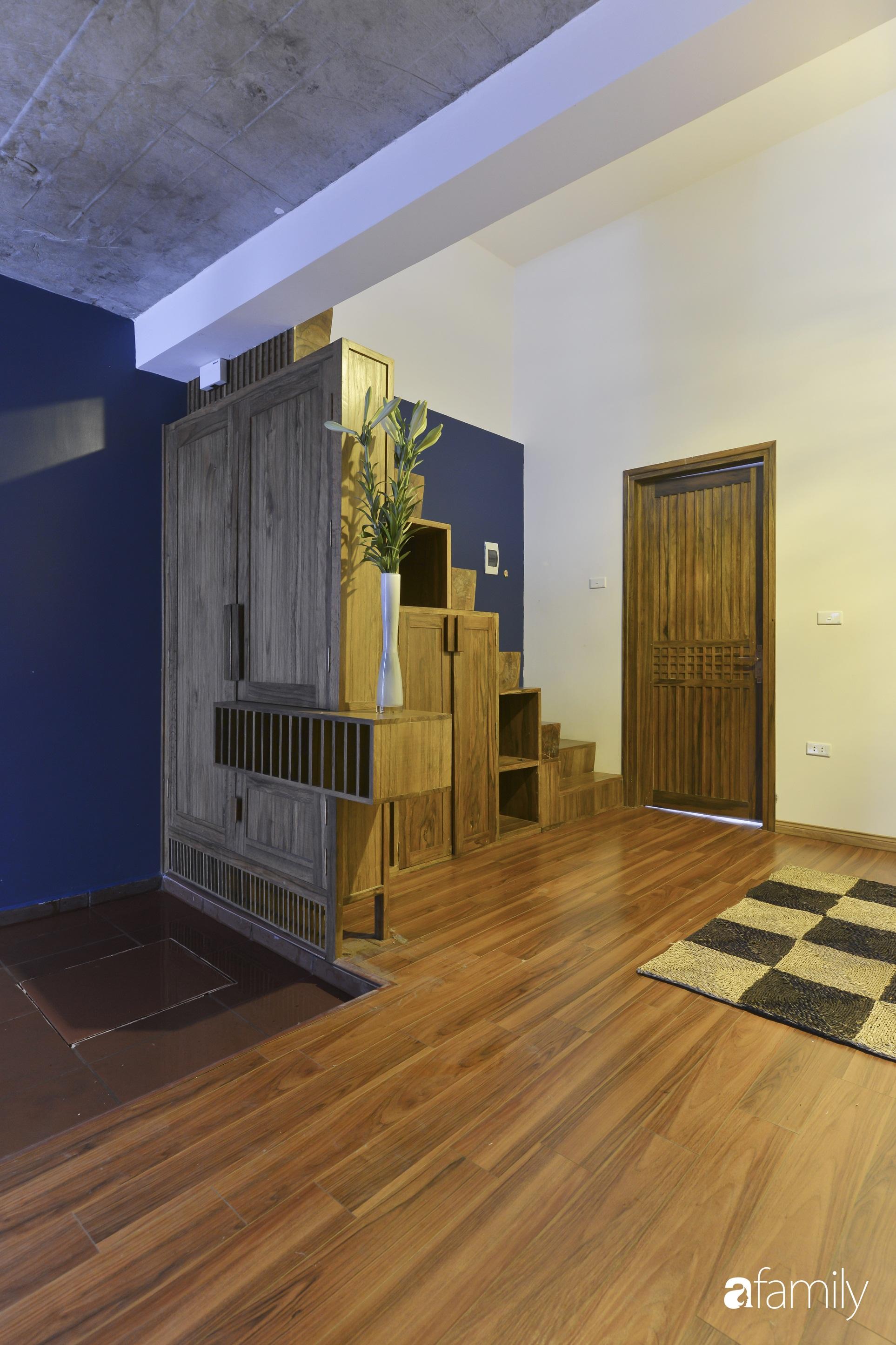 Vẻ đẹp của gỗ kết hợp nội thất đơn giản trong ngôi nhà 45,6m² ở ngõ nhỏ Hà Nội sau khi cải tạo - Ảnh 8.