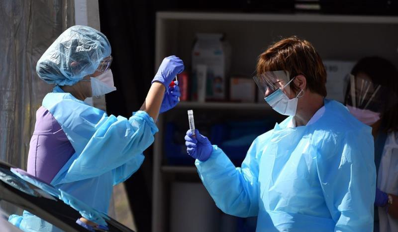 Thiếu vật tư y tế, bệnh viện ở Mỹ khử khuẩn, tái sử dụng khẩu trang N95 - Ảnh 4.