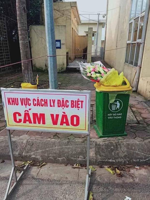 Nam thanh niên ném hoa được tặng vào thùng rác sau khi rời khỏi khu cách ly đã gọi điện xin lỗi bác sĩ - Ảnh 1.