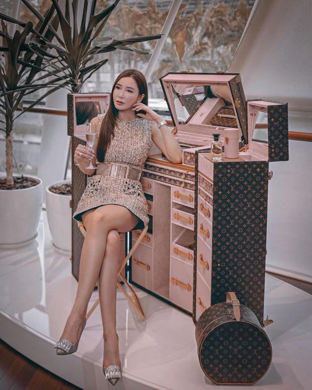 """""""Bà hoàng Hermès"""" đối đầu trực tiếp với Song Hye Kyo và Jisoo, chứng minh """"bức ảnh tỏa ra mùi tiền"""" là có thật - Ảnh 8."""