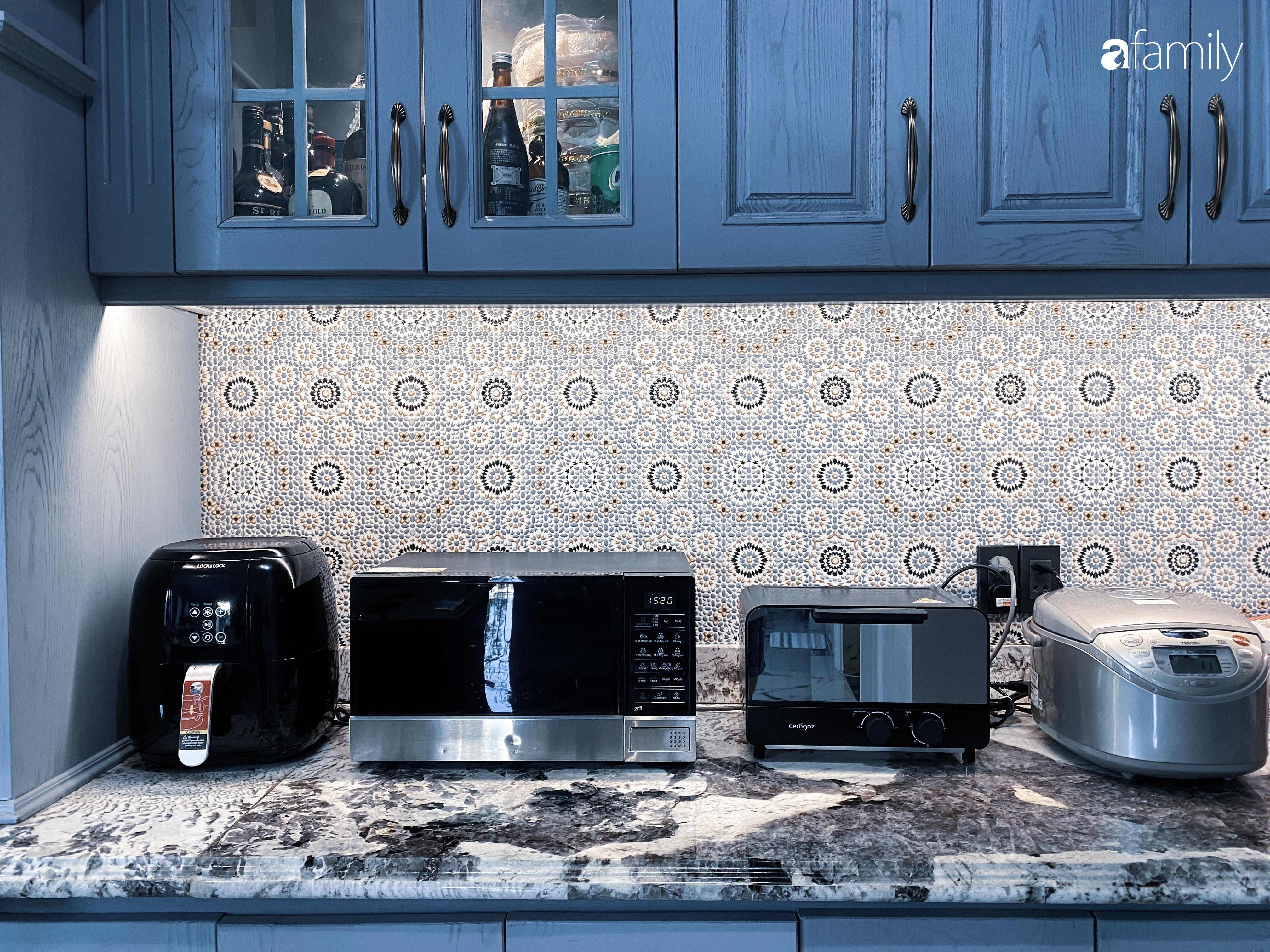 """""""Nghiện"""" sắm đồ bếp, hot mom Thủy Anh vợ Đăng Khôi tự decor không gian nấu nướng đẹp sang chảnh ngút ngàn - Ảnh 9."""