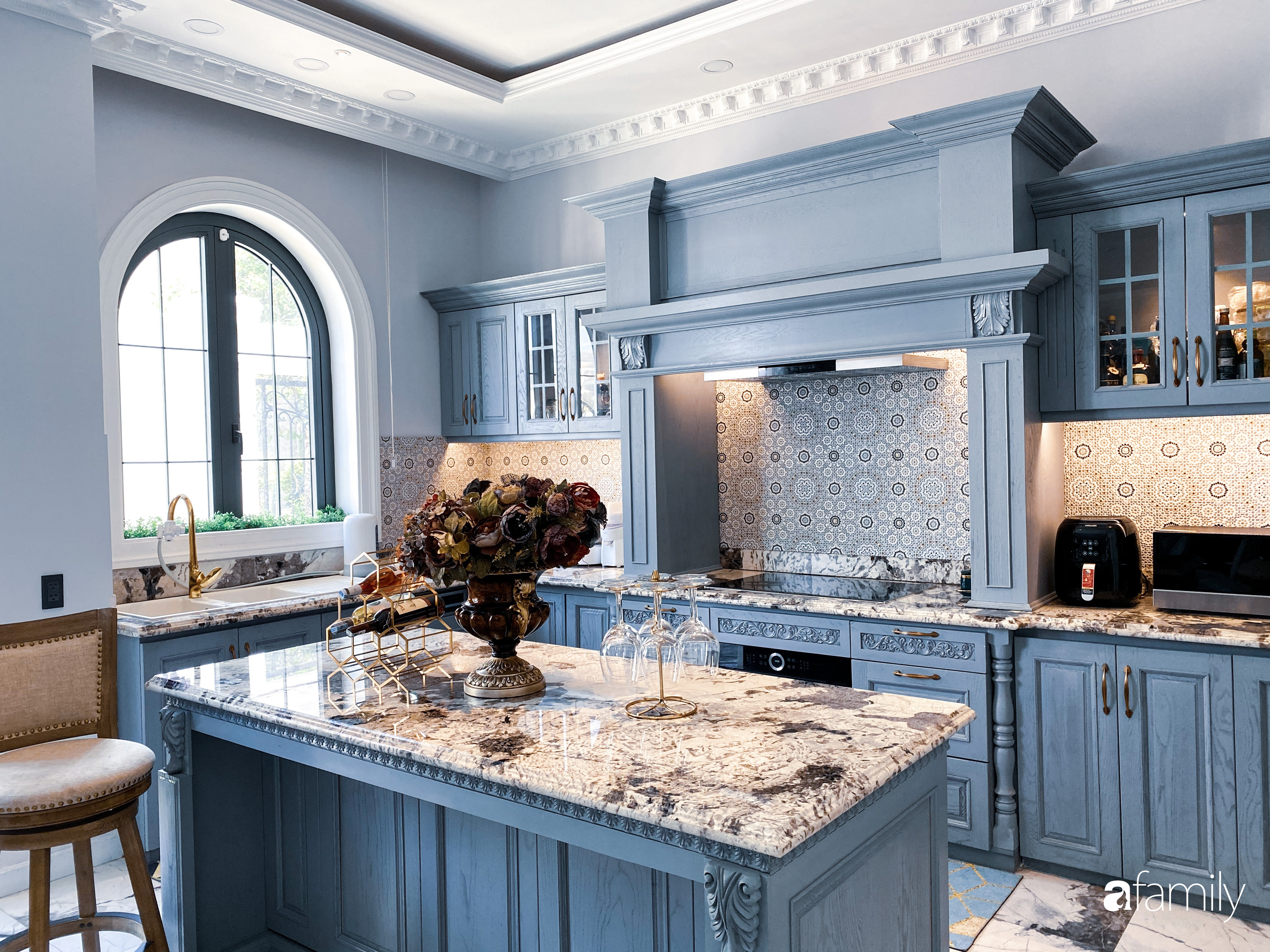 """""""Nghiện"""" sắm đồ bếp, hot mom Thủy Anh vợ Đăng Khôi tự decor không gian nấu nướng đẹp sang chảnh ngút ngàn - Ảnh 6."""