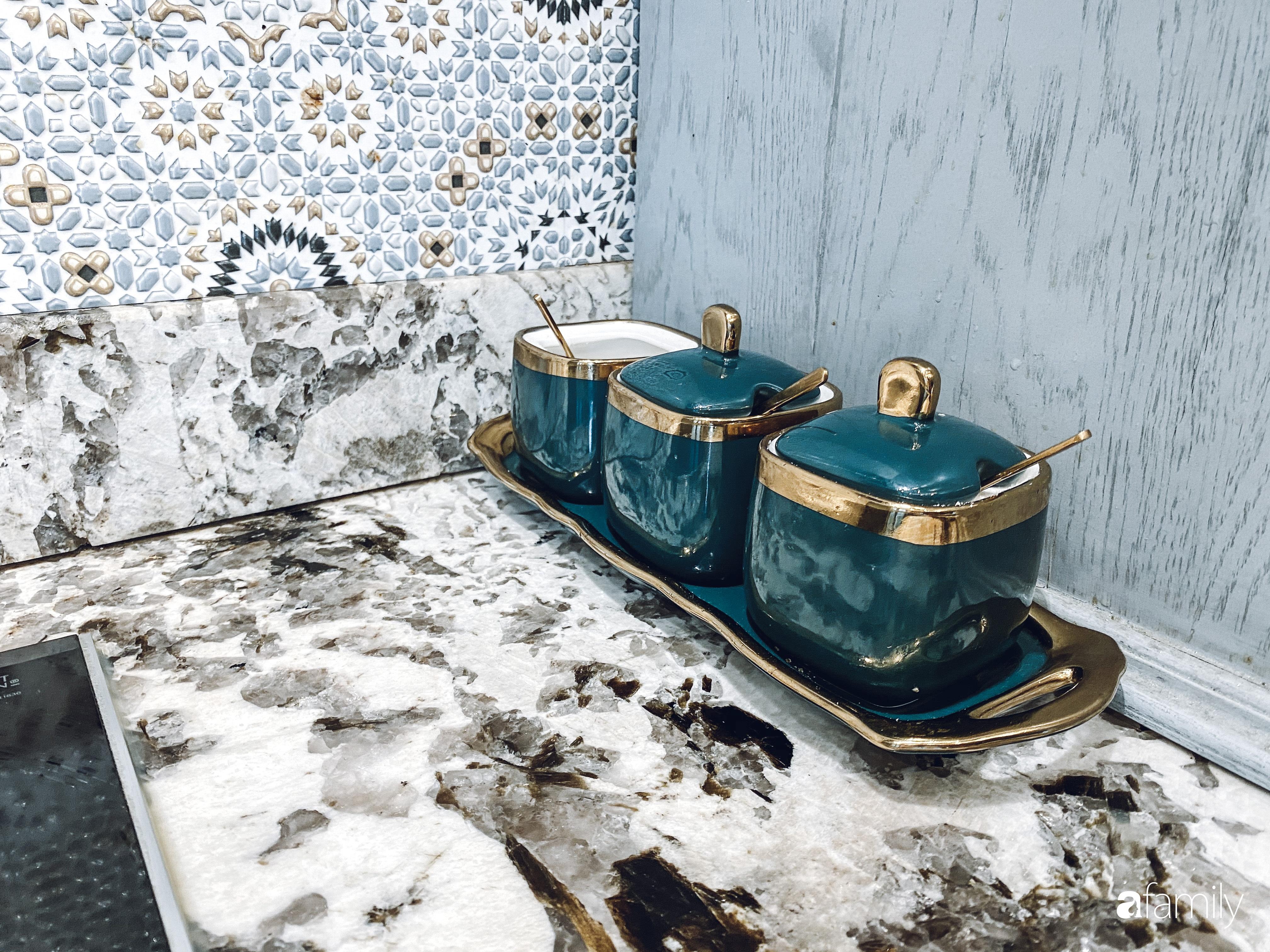 """""""Nghiện"""" sắm đồ bếp, hot mom Thủy Anh vợ Đăng Khôi tự decor không gian nấu nướng đẹp sang chảnh ngút ngàn - Ảnh 18."""