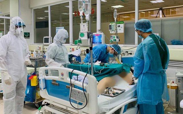Cập nhật các bệnh nhân nhiễm Covid-19: 3 ca rất nặng, Bộ Y tế liên tục hội chẩn chuyên môn