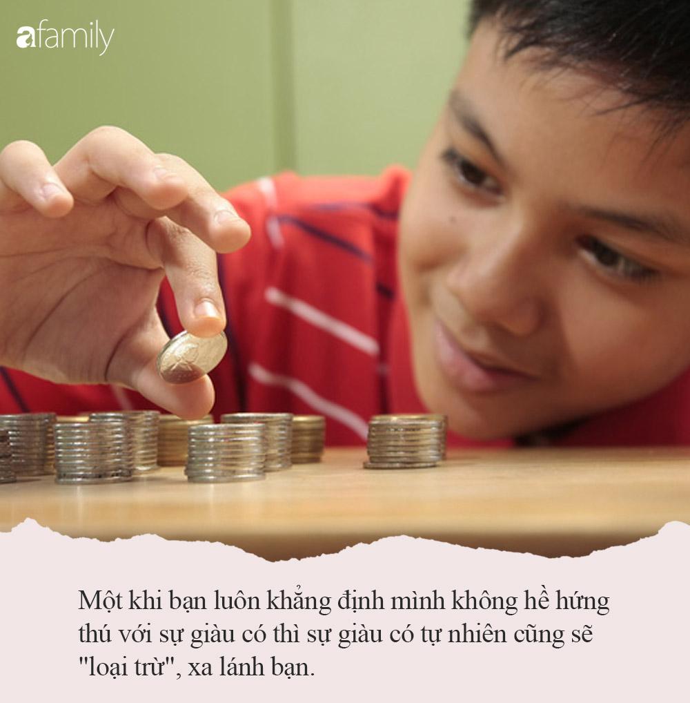 Chính quan điểm dạy dỗ đầy sai lầm này của bố mẹ khiến con học giỏi đến mấy cũng khó lòng bứt phá thành người giàu - Ảnh 2.