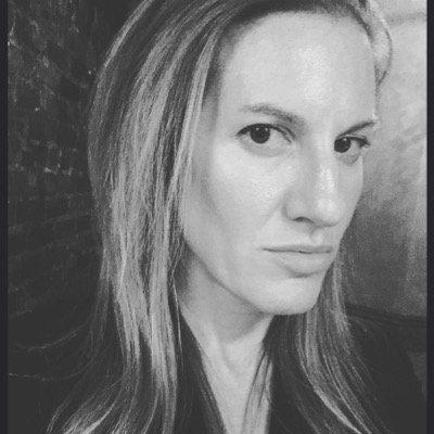 Tâm sự đầy nước mắt của nữ biên tập viên có chồng nhiễm Covid-19: Gồng mình chiến đấu từng phút, chung một mái nhà nhưng bị cô lập, hoảng loạn và bất định - Ảnh 2.