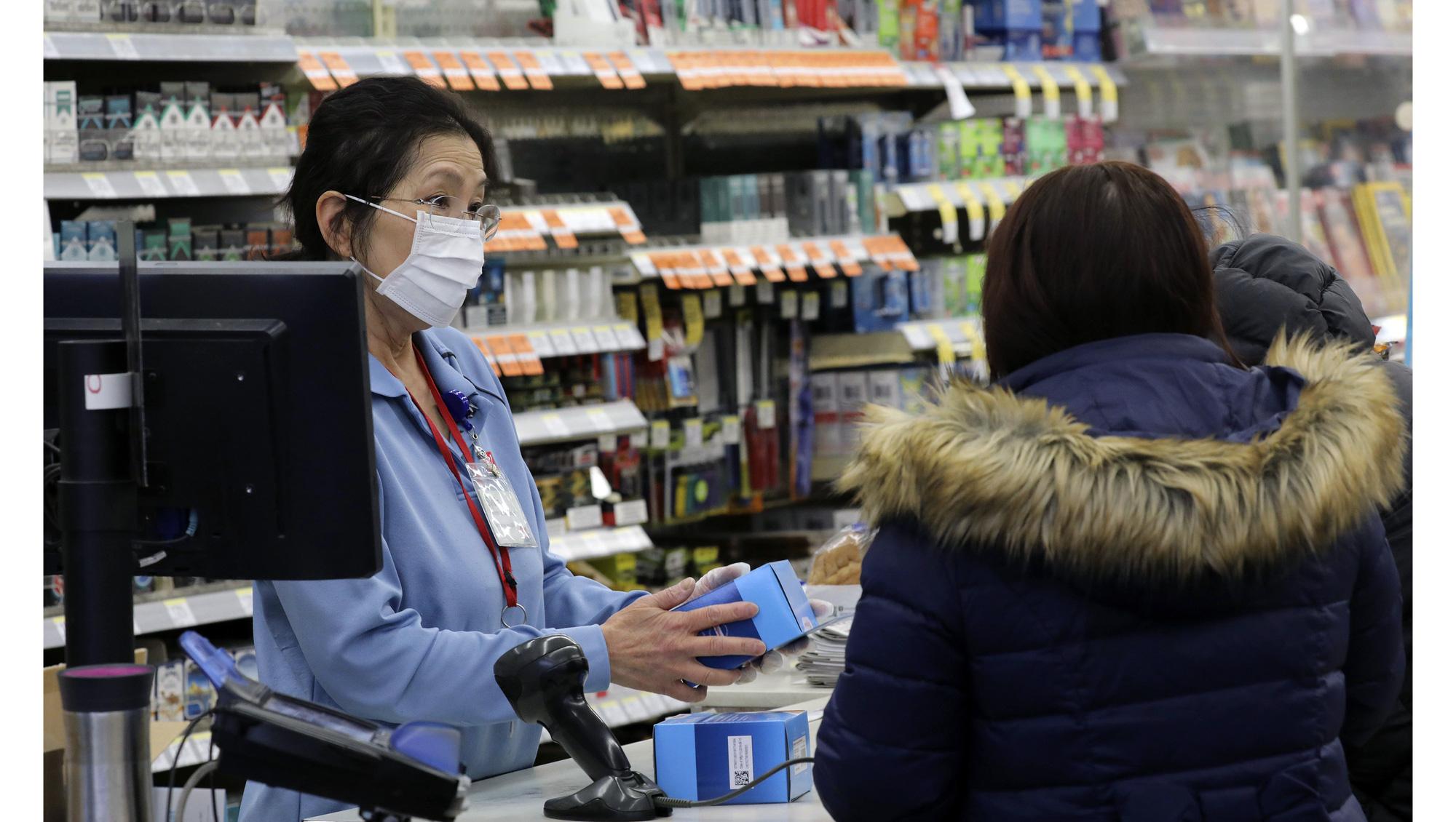 10 lưu ý thực tiễn giúp tránh lây nhiễm Covid-19 khi bạn đi mua sắm trong thời dịch - Ảnh 6.
