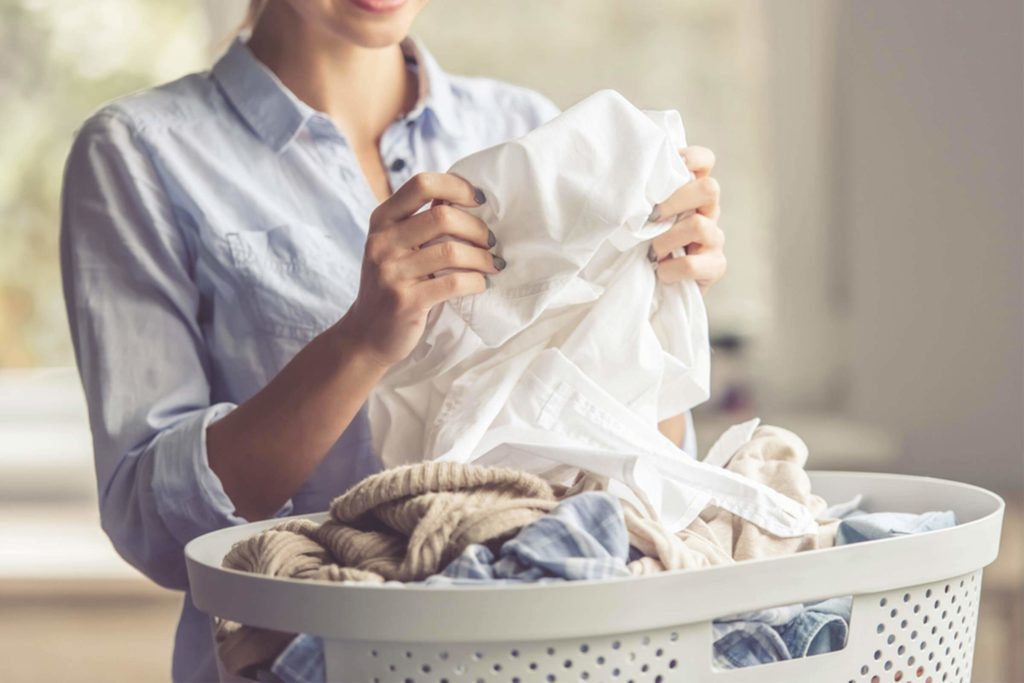 Virus corona chủng mới có thể tồn tại trên quần áo không?  - Ảnh 4.