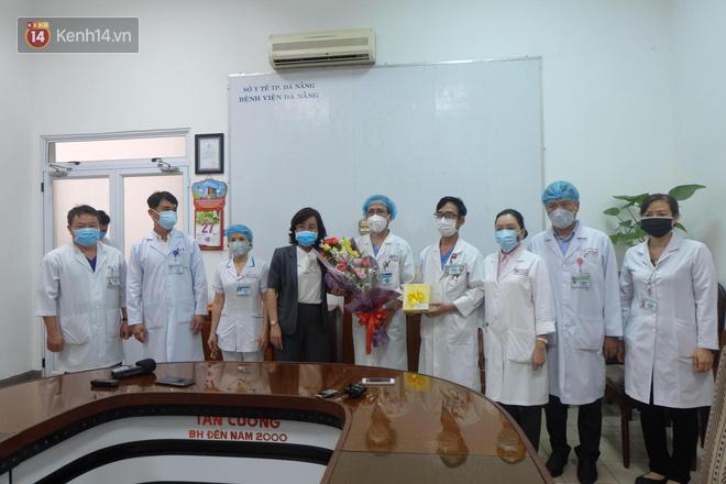 Tâm sự của bác sĩ chữa khỏi Covid-19 cho 3 bệnh nhân ở Đà Nẵng: Chúng tôi hứa sẽ tiếp tục chiến đấu vì cuộc chiến này còn dài - Ảnh 5.