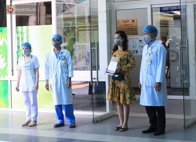 Tâm sự của bác sĩ chữa khỏi Covid-19 cho 3 bệnh nhân ở Đà Nẵng: Chúng tôi hứa sẽ tiếp tục chiến đấu vì cuộc chiến này còn dài - Ảnh 2.