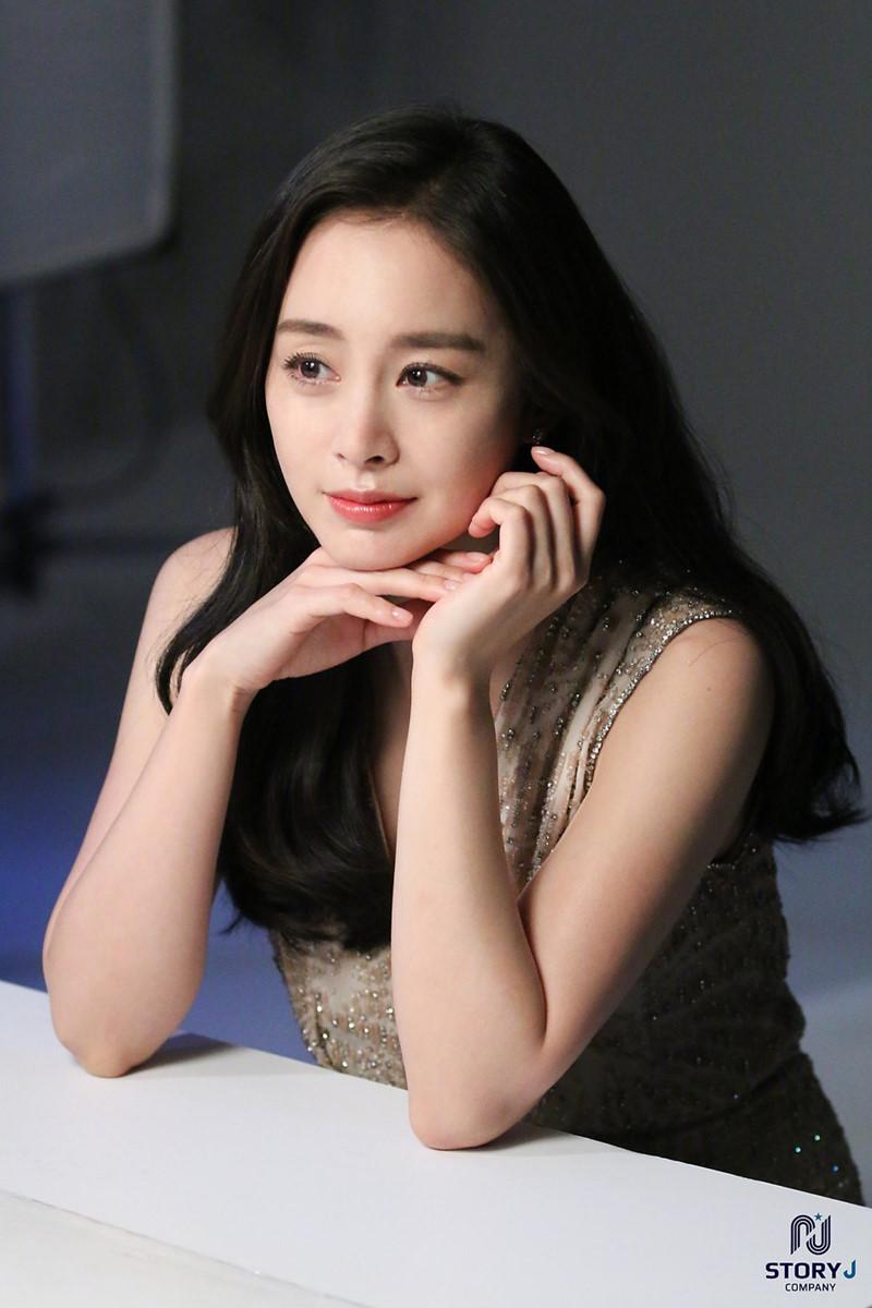 Song Joong Ki đánh bại Jun Ji Hyun trở thành