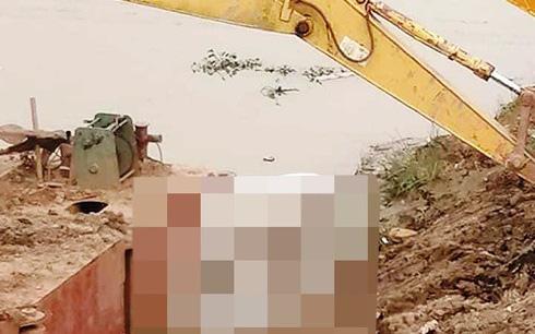 Nghệ An: Bàng hoàng phát hiện thi thể nữ giới nổi ở mép sông