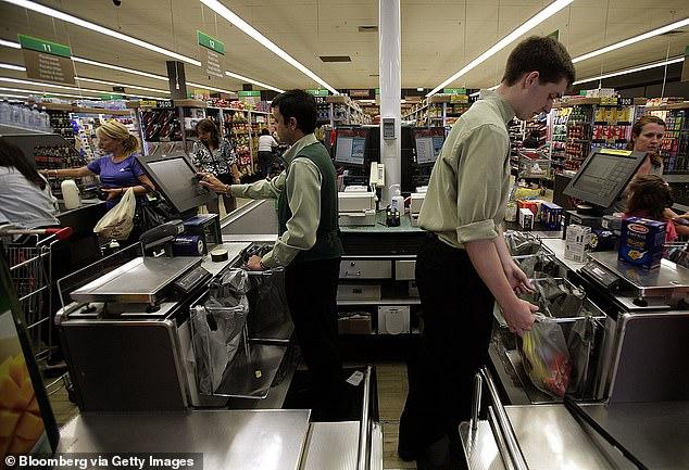Một hãng siêu thị lớn tại Úc cung cấp cơ hội việc làm tới 20.000 nhân viên hàng không thất nghiệp vì dịch Covid-19 - Ảnh 2.