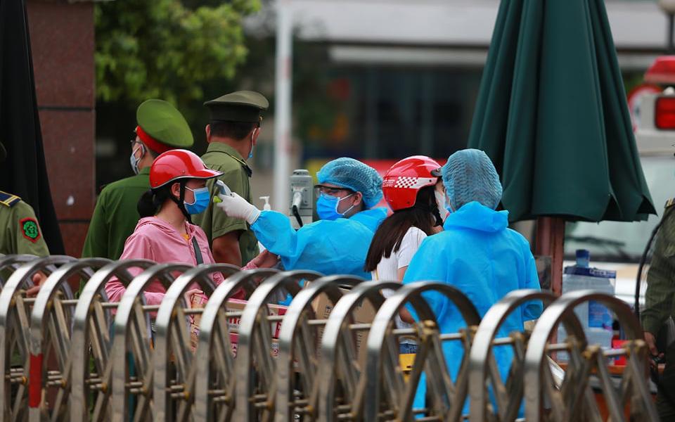 Bệnh viện Bạch Mai ra thông báo khẩn số 2: Khuyến cáo những người đã đến bệnh viện từ 12/3 thực hiện tự cách ly và liên hệ cơ quan y tế gần nhất để quản lý sức khỏe