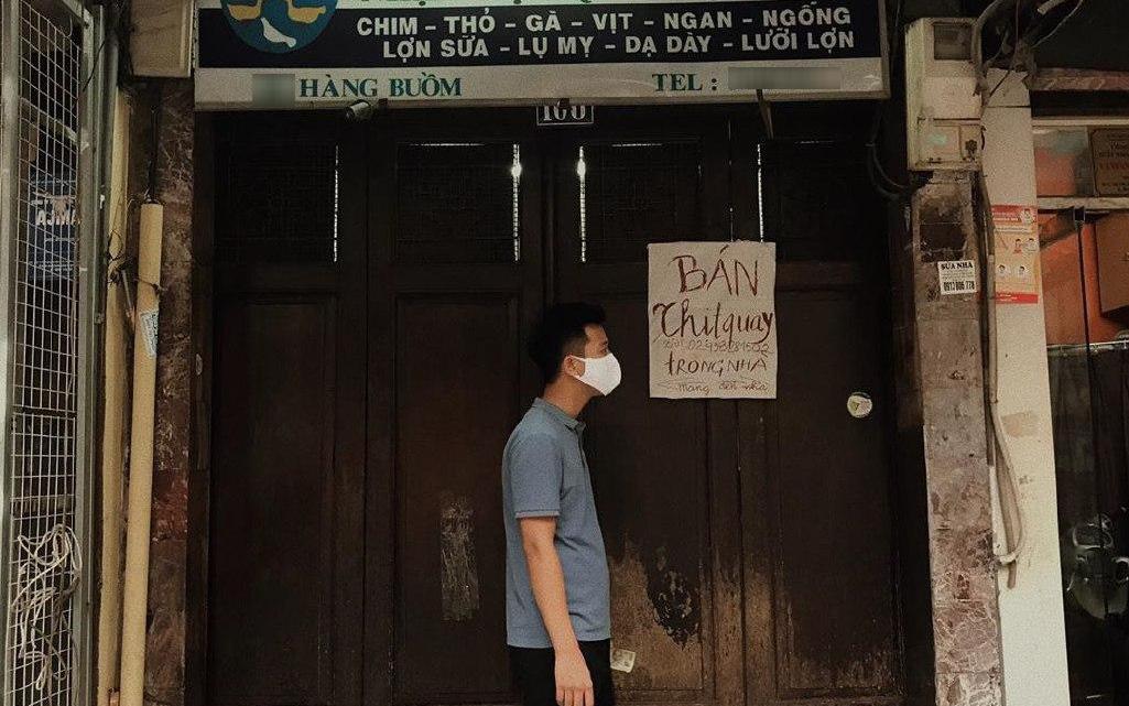 Phải đóng cửa phòng dịch, cửa hàng vịt quay có tiếng phố Hàng Buồm nghĩ ra cách bán như tấu hài khiến dân tình cười không ngớt