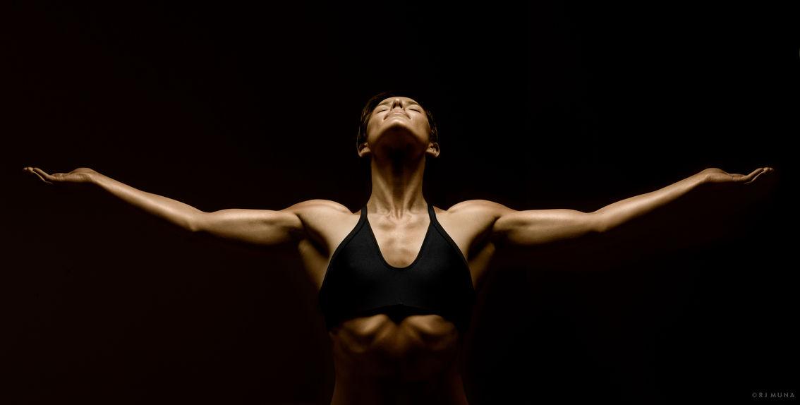 Ngắm sự hoàn mỹ của cơ thể người để có thêm động lực tập luyện tăng cường sức khỏe tại nhà - Ảnh 6.