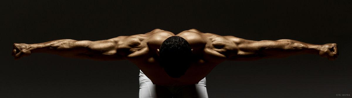 Ngắm sự hoàn mỹ của cơ thể người để có thêm động lực tập luyện tăng cường sức khỏe tại nhà - Ảnh 18.