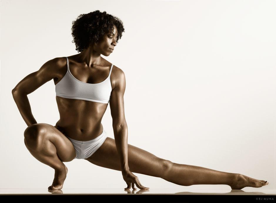 Ngắm sự hoàn mỹ của cơ thể người để có thêm động lực tập luyện tăng cường sức khỏe tại nhà - Ảnh 21.