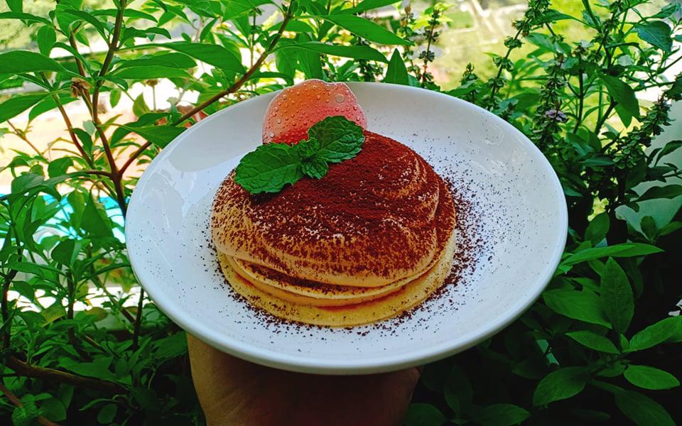 Ăn sáng ở nhà thử ngay Pancake Dalgona vừa ngon vừa sang chảnh