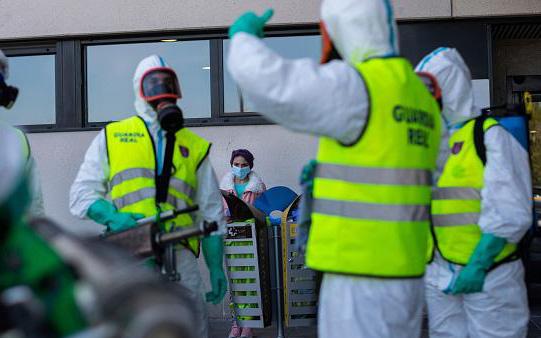 Mỹ có số ca nhiễm Covid-19 cao nhất thế giới, Tây Ban Nha ghi nhận số người chết cao nhất trong một ngày