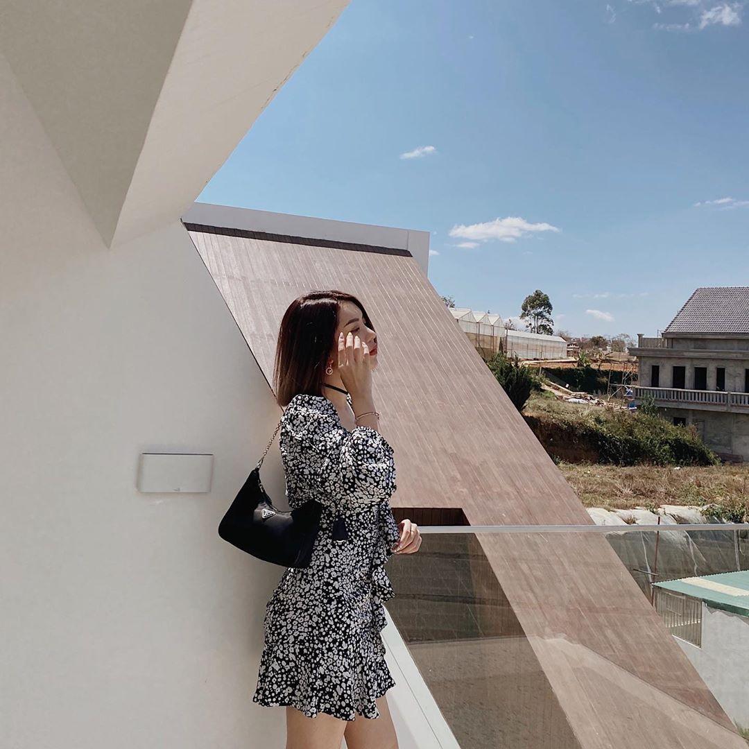 """Sao Việt đua nhau chụp ảnh trên sân thượng, """"sống ảo"""" tại gia mà cũng xịn sò ra trò - Ảnh 10."""