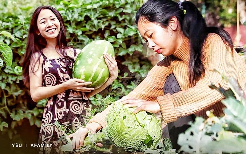 """Chẳng đợi già mới về vườn, mẹ bỉm sữa Việt mua 2000m2 đất ngoại ô nước Úc đổ mồ hôi trồng rau nuôi gà, tận hưởng hạnh phúc """"ngay và luôn"""""""