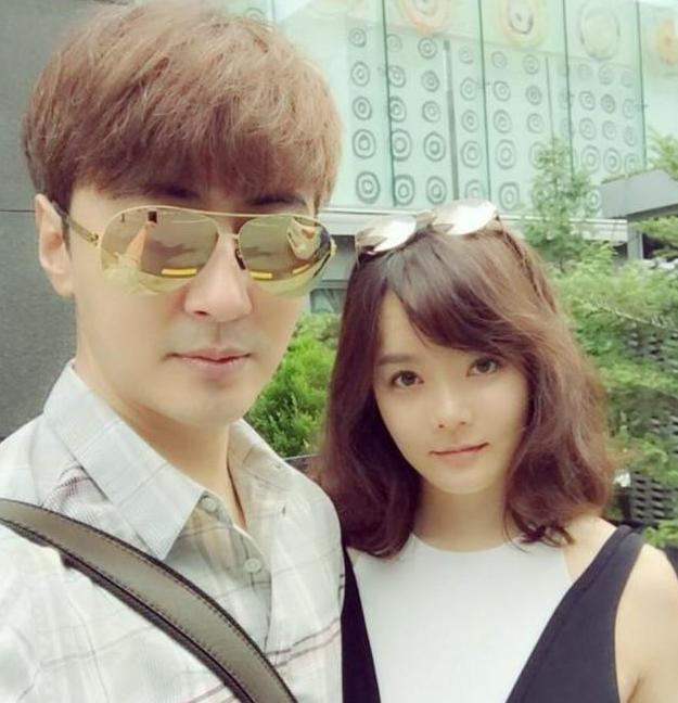 9 năm trước, hắn vứt bỏ Triệu Lệ Dĩnh để kết hôn với một nữ minh tinh Hàn Quốc, netizen bày tỏ : Chả trách bây giờ cô ấy khiến anh ta không thể trèo cao được. - Ảnh 3.