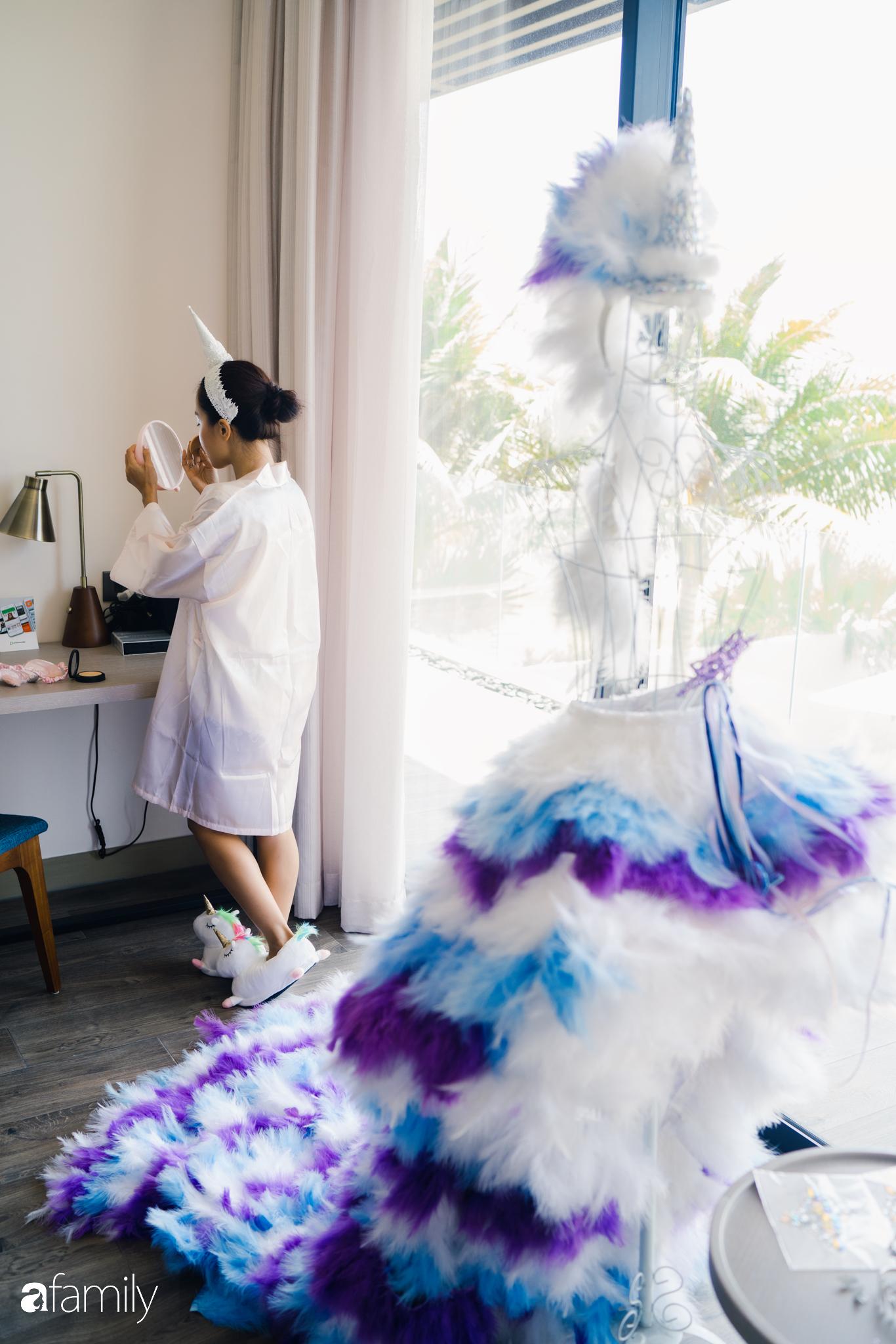 """My Lan Nguyễn - Cô gái có cuộc tình như mơ từ FB và sự """"đấu tranh"""" với phụ huynh để mặc váy cưới đuôi cá màu tím, đội sừng Unicorns trong hôn lễ của chính mình - Ảnh 12."""