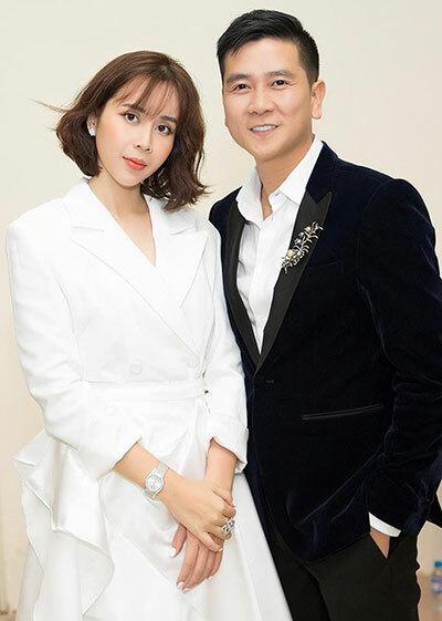 Sau scandal ly hôn, Lưu Hương Giang hạnh phúc khoe được ông xã Hồ Hoài Anh tặng chiếc nhẫn siêu bự kèm bức thư viết tay vô cùng ngọt ngào - Ảnh 2.