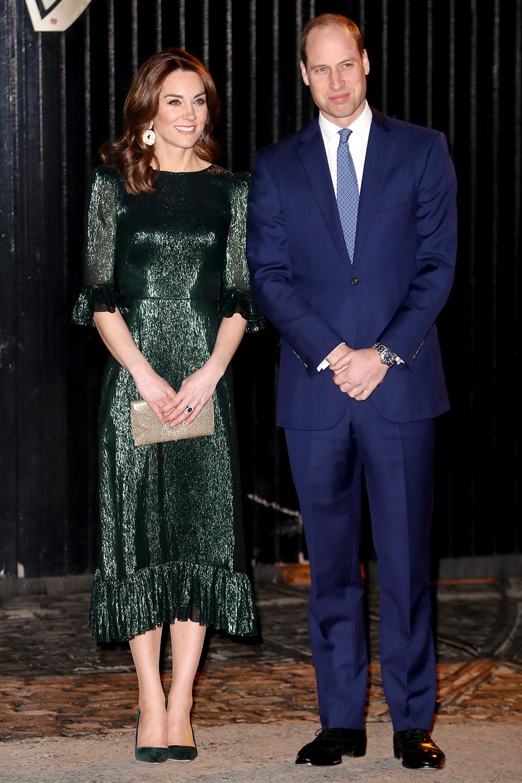 """Công nương Kate bị chê mặc xấu khi diện váy hao hao """"Công chúa thị phi nhất hoàng gia Anh"""" - Ảnh 2."""