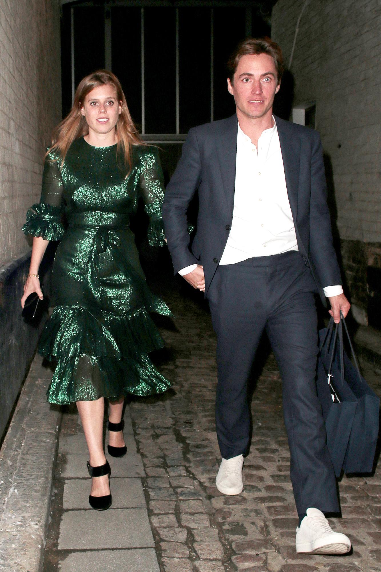 """Công nương Kate bị chê mặc xấu khi diện váy hao hao """"Công chúa thị phi nhất hoàng gia Anh"""" - Ảnh 3."""