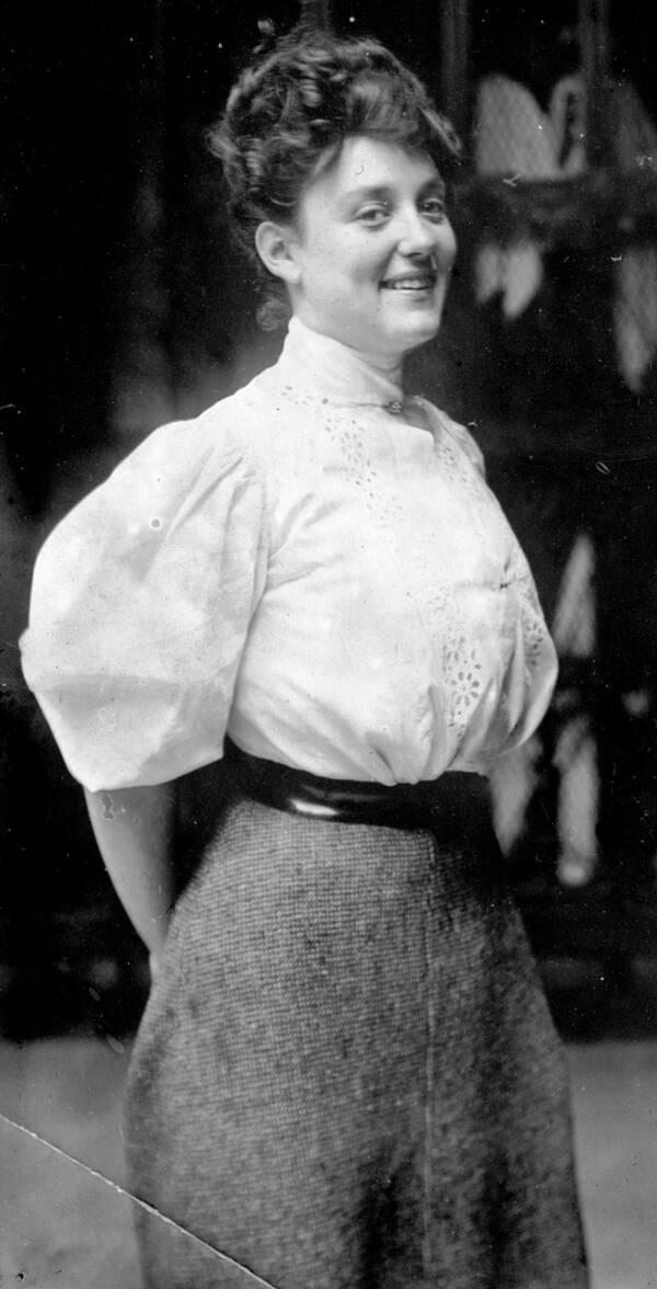 """Cuộc đời không sống theo chuẩn bị xã hội của """"người phụ nữ hoàn hảo"""", tiên phong mặc đồ bơi bó sát và diễn cảnh nóng trên màn bạc thế giới - Ảnh 1."""