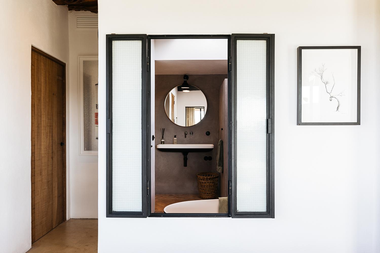 Căn nhà cấp 4 tạo ấn tượng đặc biệt nhờ kết hợp giữa kiến trúc hiện đại với thiên nhiên hoang sơ - Ảnh 18.