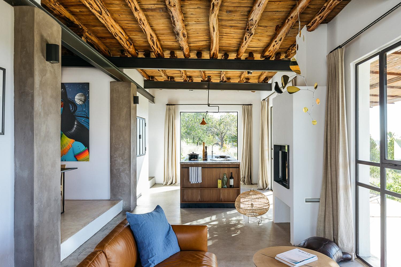 Căn nhà cấp 4 trên đảo tạo ấn tượng đặc biệt nhờ kết hợp giữa kiến trúc hiện đại với thiên nhiên hoang sơ - Ảnh 8.