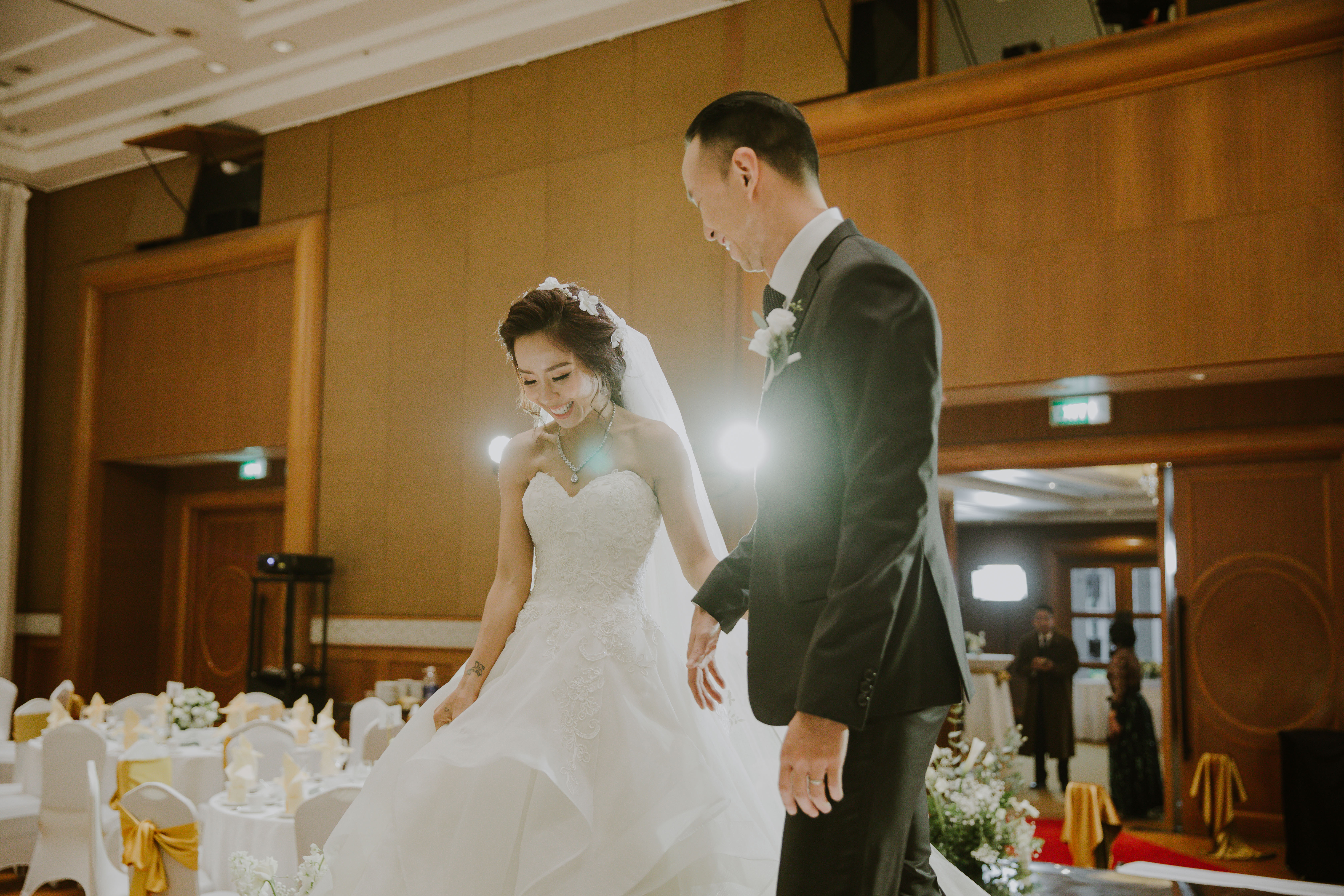 My Lan Nguyễn - Cô gái có cuộc tình như mơ từ FB và sự thuyết phục đầy nỗ lực với phụ huynh để được mặc váy cưới màu tím, hoá thành Unicorns trong hôn lễ của chính mình - Ảnh 22.