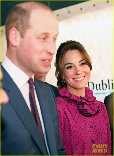 """Công nương Kate """"hạ đo ván"""" Meghan khi lần đầu tiên diện bộ đồ cũ đặc biệt, đẹp chẳng kém mẹ chồng Diana khi xưa - Ảnh 3."""